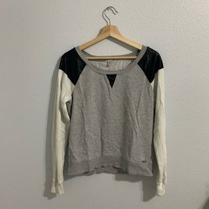 GUESS - Tricolor Sweater (Grey/Black/White)